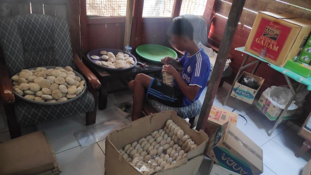 Yopia, Makanan Legendari Rembang Yang Masih Eksis Ditengah Moderenisasi