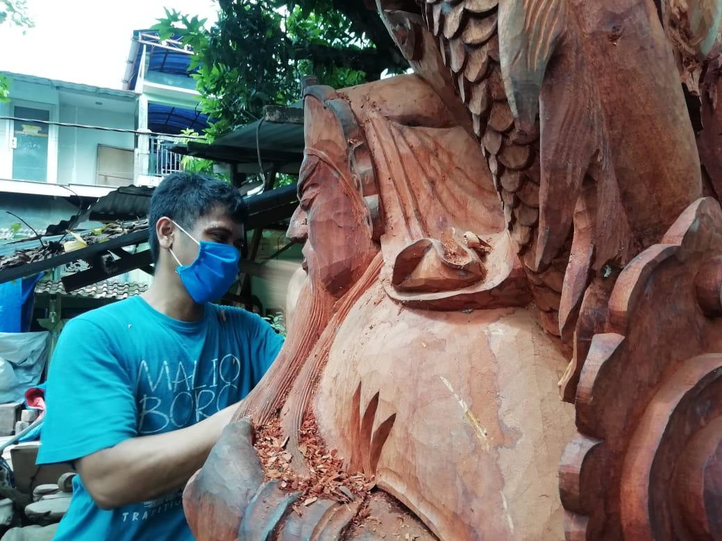Pemahat Patung Dewa di Jepara Gigit Jari Jelang Imlek